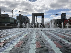 grande_arche_fontaine_agam_defense_paris_nruaux